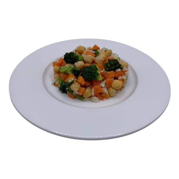 Menú vegetariano congelado de 5 gama brócoli, coliflor, zanahoria, garbanzos y arroz