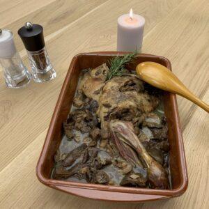 Menjar preparat cinquena gamma espatlla de xai amb bolets